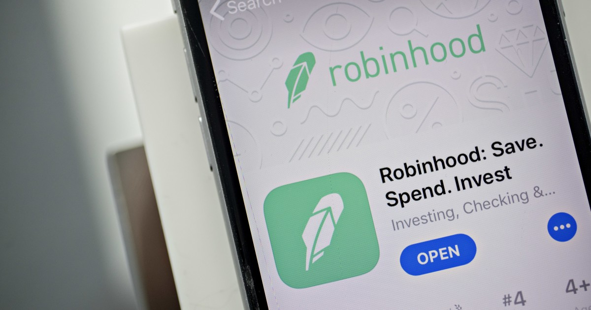 Robinhood angered banks. Now it wants to be one