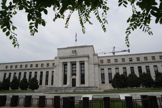 Fed's Rate Cut Plans Stop Making Sense