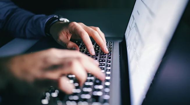 Dozens of US organizations also used softwarer targeted by Russian hackers